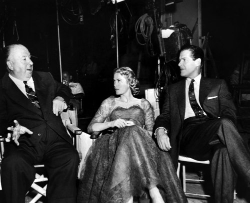 Hitchcock with Kelly and Cummings on set